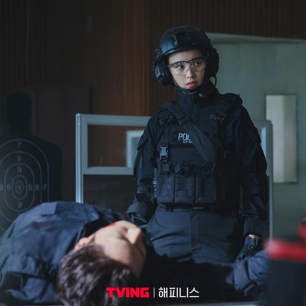 Han Hyo Joo tái xuất vẫn bị đay nghiến về scandal của em trai-2