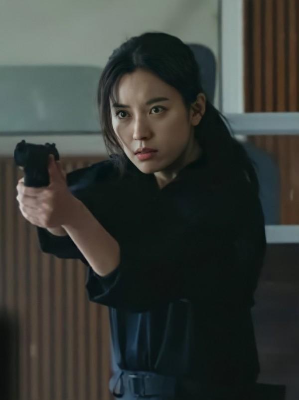 Han Hyo Joo tái xuất vẫn bị đay nghiến về scandal của em trai-4