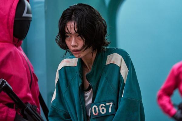Xem Squid Game, sợ hãi cuộc sống ngập nợ nần của người Hàn-9