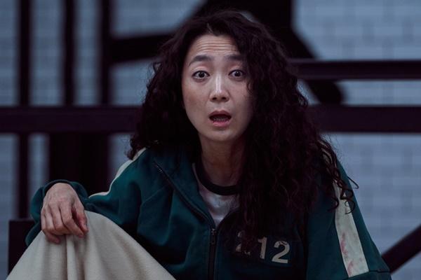 Xem Squid Game, sợ hãi cuộc sống ngập nợ nần của người Hàn-10