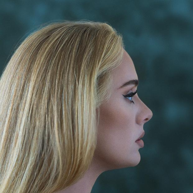 Adele tung bìa album đơn giản quá khiến fan than trời-1