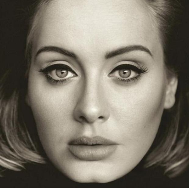 Adele tung bìa album đơn giản quá khiến fan than trời-4
