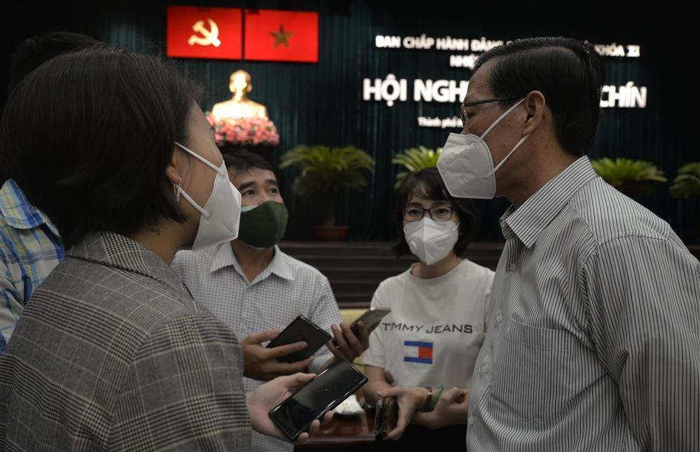 Tháng 11 TP.HCM vẫn chưa trở lại trạng thái bình thường mới-1