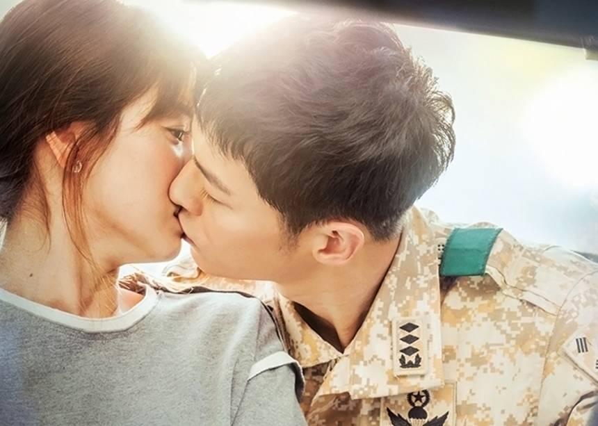 Song Hye Kyo và dàn tình trẻ màn ảnh: Song Joong Ki hợp mà toang-2