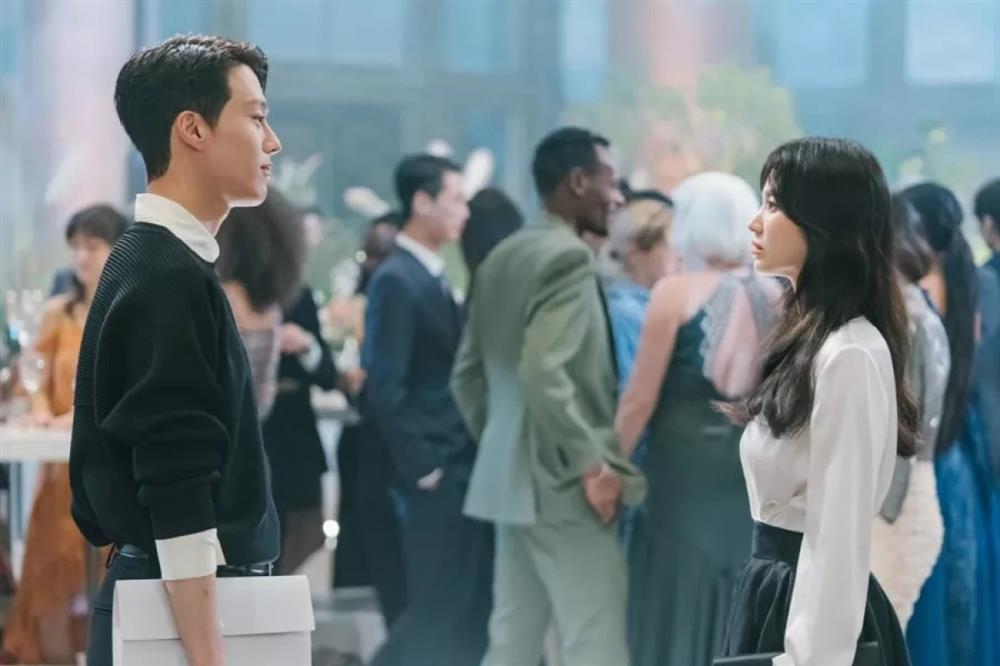 Song Hye Kyo và dàn tình trẻ màn ảnh: Song Joong Ki hợp mà toang-6