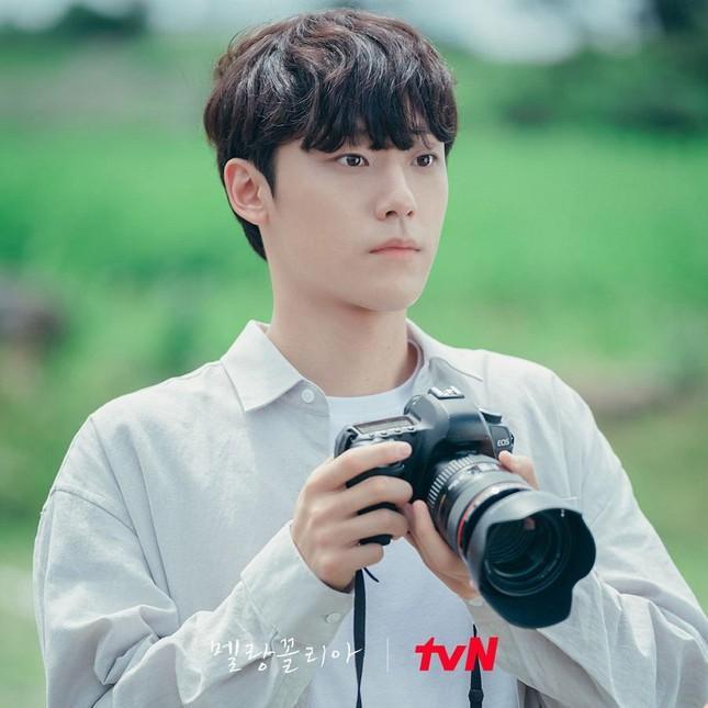 Song Hye Kyo và dàn tình trẻ màn ảnh: Song Joong Ki hợp mà toang-9