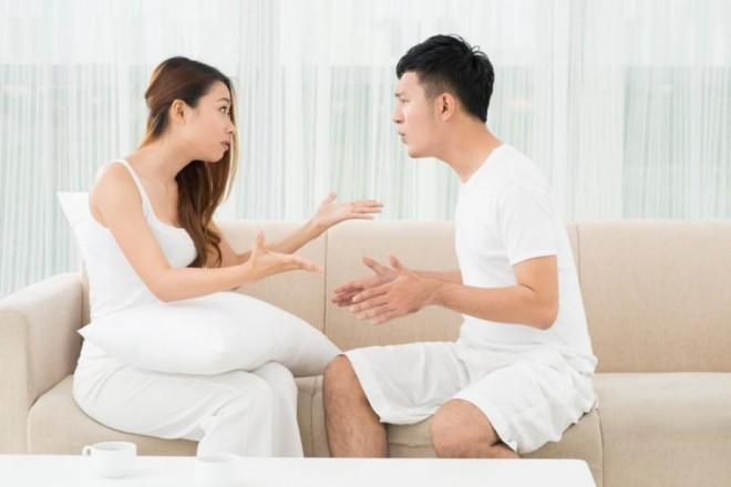 Chồng choáng váng khi một tuần vợ đòi ly hôn tới 4 lần-1