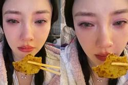 'Người đẹp cắm sừng' Lý Tiểu Lộ nửa đêm livestream khóc nấc