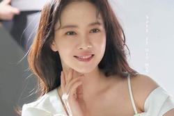 'Mợ ngố' Song Ji Hyo đẹp ngỡ ngàng trong ảnh hậu trường