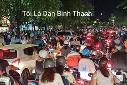 CHOÁNG: Phố đi bộ Nguyễn Huệ đông kinh hoàng tối cuối tuần