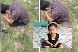 Người thân gục ngã tại nơi tìm thấy thi thể bé 2 tuổi mất tích