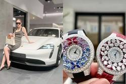 Đoàn Di Băng khoe quà 20/10: Hết đồng hồ đến xế hộp chục tỷ