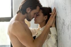 6 điều phụ nữ gây bất ngờ 'trên giường', mọi đàn ông ao ước!