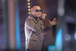Rap Việt tập 2: 'Quái vật' xuất hiện, liệu sẽ có cơn mưa Nón vàng ?