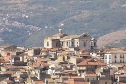 Cầm 1 euro mua được 1 căn nhà ở Italy, sự thật là gì?