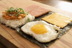 Món kimbap gấp đơn giản cho cuối tuần