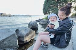 An Nguy sau khi sinh con: Tóc rụng nghiêm trọng, cân nặng ở mức kỷ lục