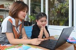 GS Nguyễn Lân Hiếu: Chưa có vaccine trẻ em, chưa nên mở trường học