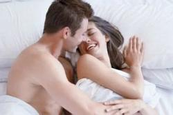 Tại sao đàn ông lại mê ngắm nhìn và động chạm 'vòng 1' phụ nữ?