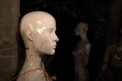 Ám ảnh con đường kinh dị có 20.000 mannequin ở Anh